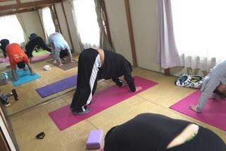 yoga(2).jpg